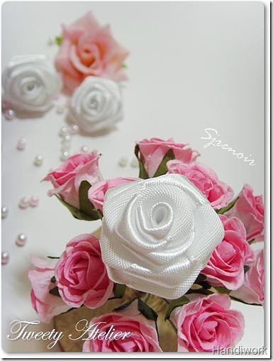 свой цитатник или сообщество! http://digitalscrapbooking.ru.  Розы из атласных лент.  Прочитать целикомВ.